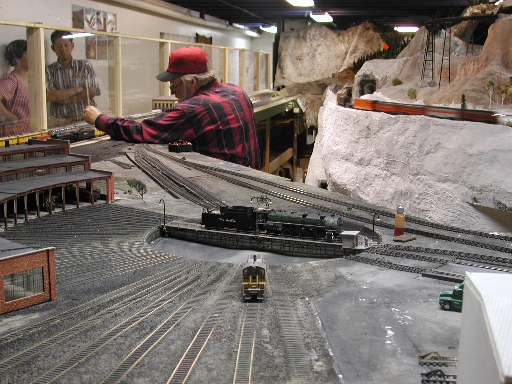 Model railroad salt weathering